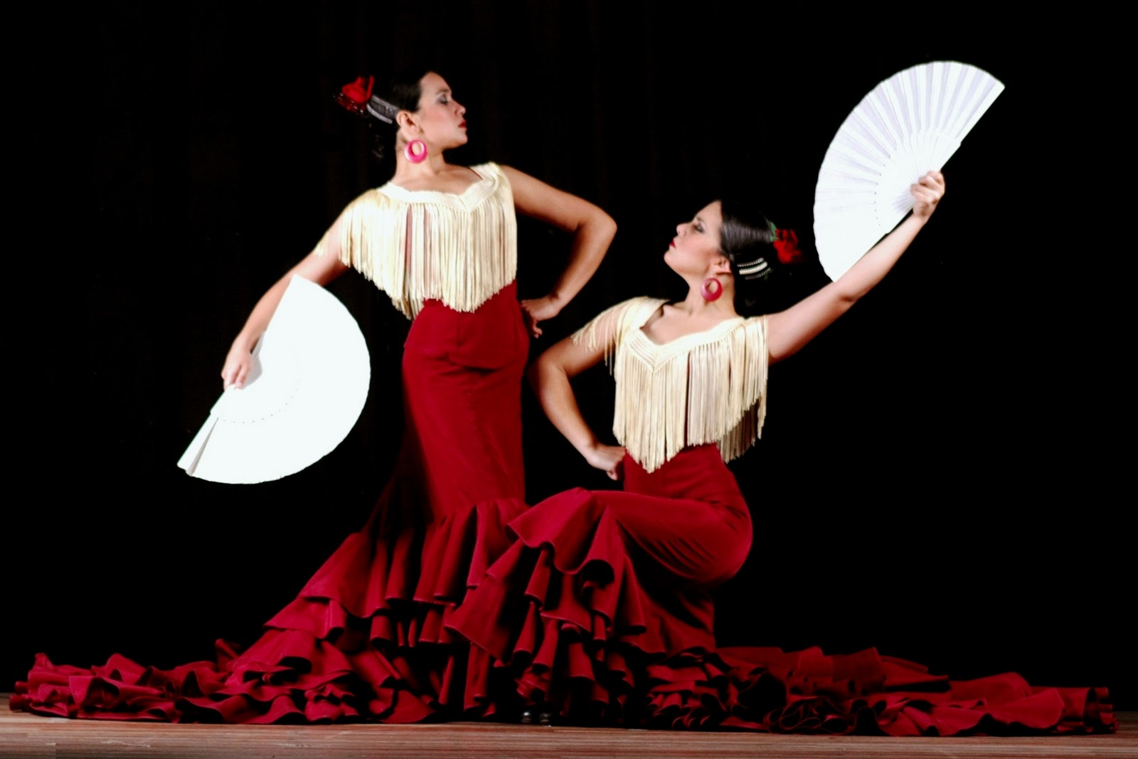https://happyinspain.com/assets/uploads/2014/04/FLAMENCO-3.jpg