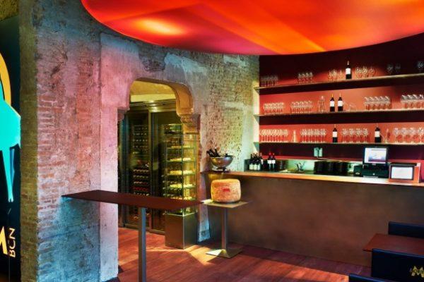 A Wine Bar 640 × 409