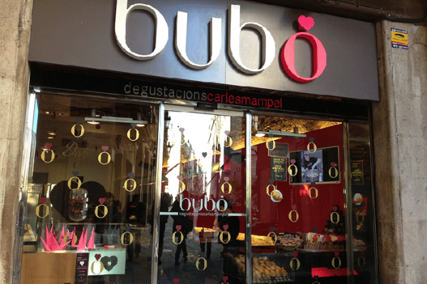 Puerta Pasteleria Bubo Borne de Barcelona