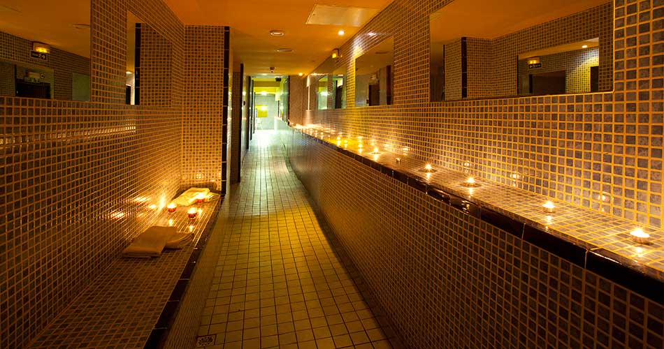 gay saunas in barcelona happyinspain. Black Bedroom Furniture Sets. Home Design Ideas