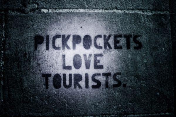 Los turistas carteristas amor