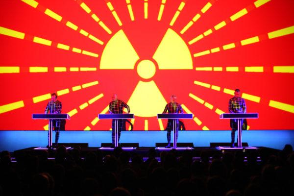 Концерт группы Kraftwerk 22 апреля в татре Liceu