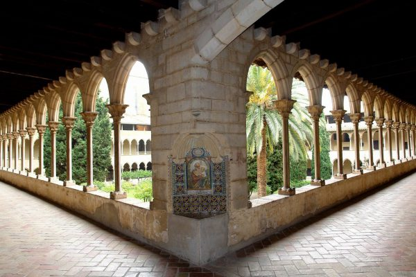 Monasterio De P 1300135314