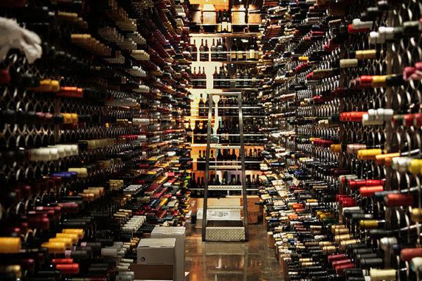 Bar De Vinos