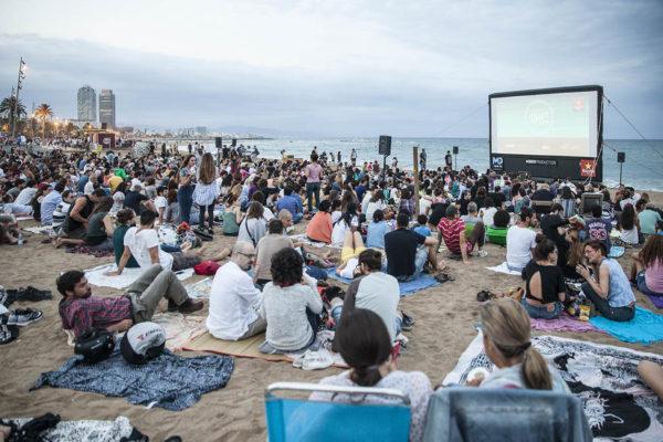 Cine Libre - пляжный кинотеатр
