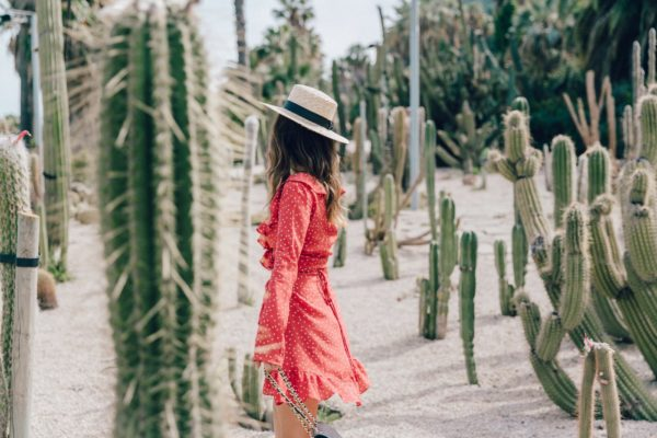 Realisation Par Dress Star Print Red Dress Outfit Catonier Hat Lack Of Color Black Sandals Topshop Barcelona Collage Vintage Mossen Gardens 74 1400×933