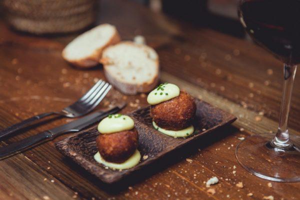Gourmet Tapas Croquettes 1024 × 683