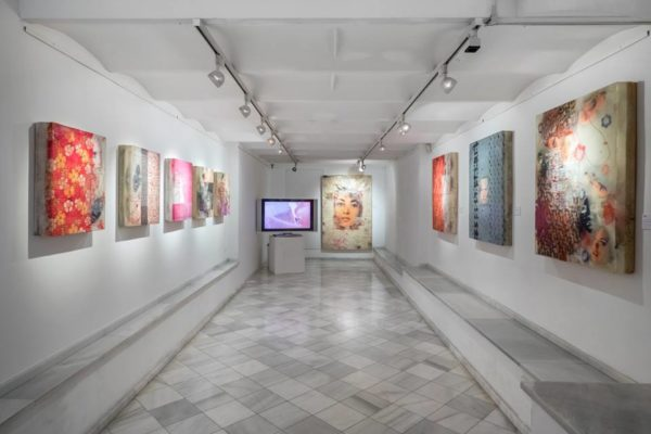 Современное искусство в N2 Galeria