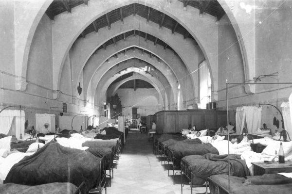 1 2 2 Antic Hospital Sala Tramuntana BC