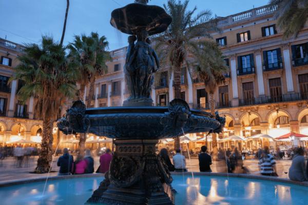 Plaza Real Barcelona Tres Gracias 800×592