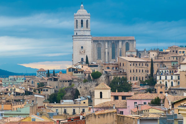 Girona viejo de la catedral de Ciudad de vista sobre el Rooftops1